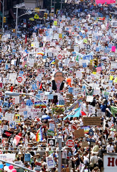 7th Avenue「Protestors Begin Demonstrating On Eve Of RNC Convention」:写真・画像(14)[壁紙.com]