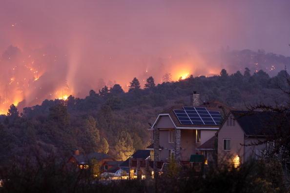 San Bernardino National Forest「Southern California Wildfire Burns Over 3500 Acres Of San Gabriel Mtns」:写真・画像(12)[壁紙.com]