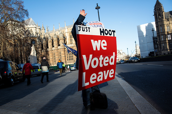Brexit「Leave And Remain Brexit Protesters Outside The UK Parliament」:写真・画像(13)[壁紙.com]