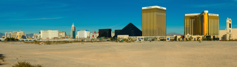 Pyramid Shape「USA, Las Vegas, main casino strip」:スマホ壁紙(12)