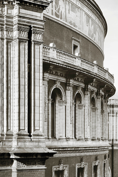 Outdoors「Architectural detail of the Royal Albert Hall, London, United Kingdom」:写真・画像(4)[壁紙.com]