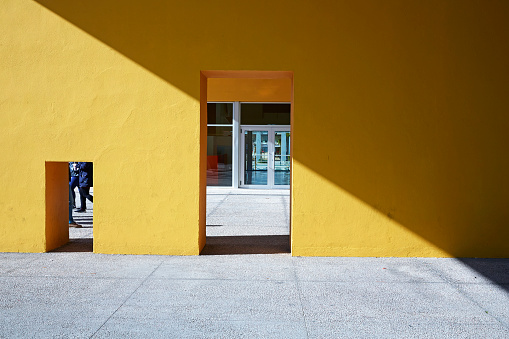 """Shadow「Architectural detail of the yellow walkway in 'Park of Nations""""」:スマホ壁紙(2)"""