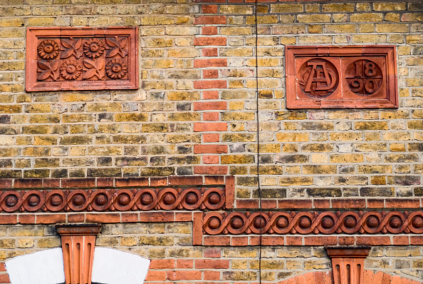 Full Frame「Architectural Victorian decorative fascia detail, Essex, UK」:写真・画像(18)[壁紙.com]