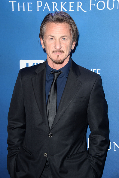 Sean Penn「5th Annual Sean Penn & Friends HELP HAITI HOME Gala Benefiting J/P Haitian Relief Organization - Arrivals」:写真・画像(9)[壁紙.com]