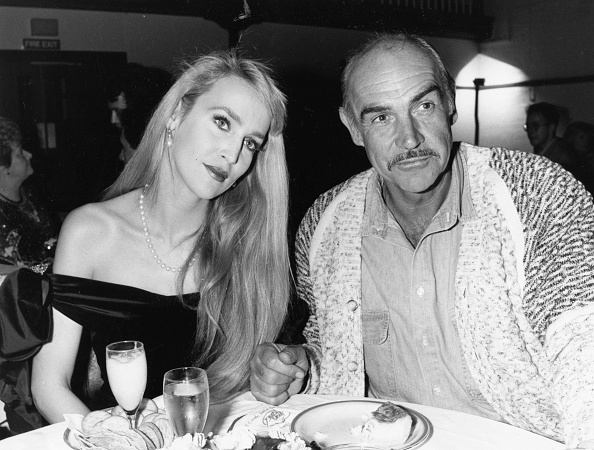 Eating「Sean Connery And Jerry Hall」:写真・画像(12)[壁紙.com]