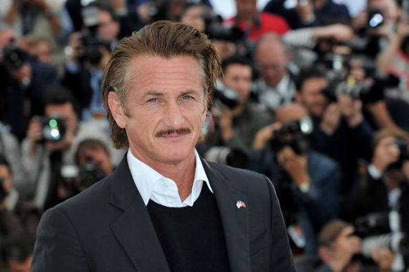Sean Penn「'Haiti Carnaval In Cannes' Photocall - 65th Annual Cannes Film Festival」:写真・画像(3)[壁紙.com]