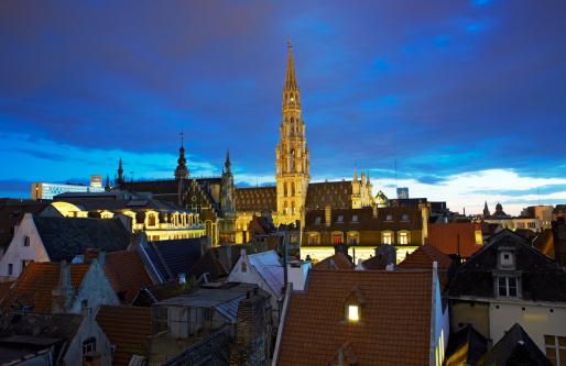 Belgium「Hotel de Ville spire」:スマホ壁紙(4)