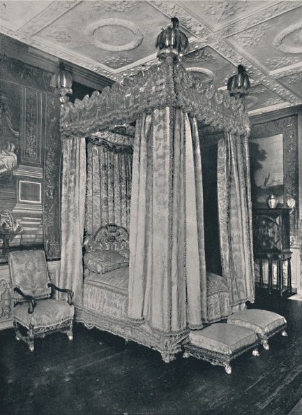Four-Poster Bed「The Kings Bedroom At Knole Bedstead Made For James I 1」:写真・画像(6)[壁紙.com]