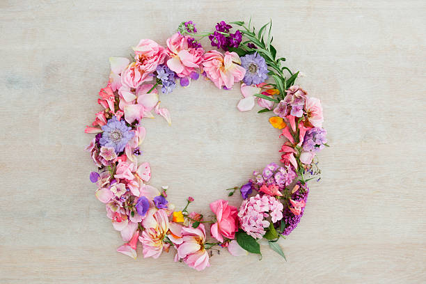 Pretty pastel pink and purple flower wreath:スマホ壁紙(壁紙.com)
