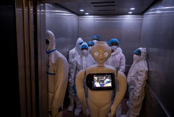 Science and Technology「Hospital Uses Robot To Help Covid-19 Patients」:写真・画像(12)[壁紙.com]