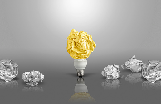 Imagination「New idea concept with crumpled paper and light bulb」:スマホ壁紙(1)