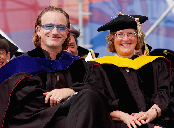 Personal Accessory「Bono Delivers Commencement Address at University Of Pennsylvania」:写真・画像(16)[壁紙.com]
