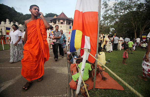 Religious Festivals In Sri Lanka Draw Large Crowds:ニュース(壁紙.com)