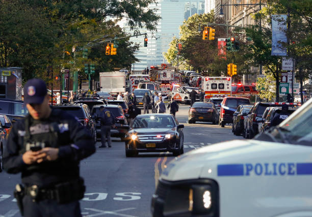 New York City「Multiple People Injured After Truck Plows Through New York City Bike Path」:写真・画像(11)[壁紙.com]