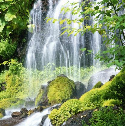 里山「Waterfall」:スマホ壁紙(1)