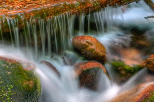 グルノーブル「滝」:スマホ壁紙(13)