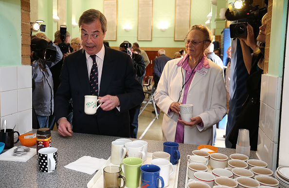 Politics and Government「Nigel Farage Campaigns In Clacton And Thurrock」:写真・画像(6)[壁紙.com]
