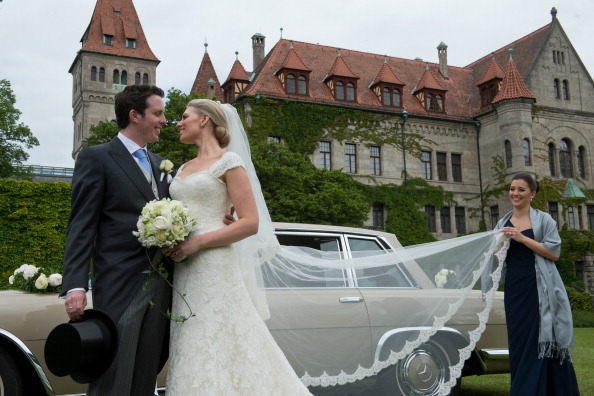 Bride「Wedding Of Count Anton Andreas von Faber-Castell & Kate Stahl」:写真・画像(2)[壁紙.com]