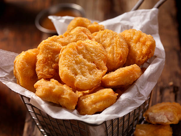 Basket of Chicken Nuggets with Sweet and Sour Sauce:スマホ壁紙(壁紙.com)