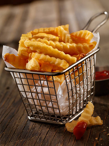 Basket of Crinkle Cut French Fries:スマホ壁紙(壁紙.com)