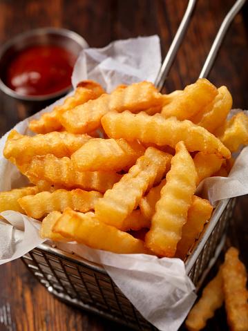 Scalloped - Pattern「Basket of Crinkle Cut French Fries」:スマホ壁紙(6)