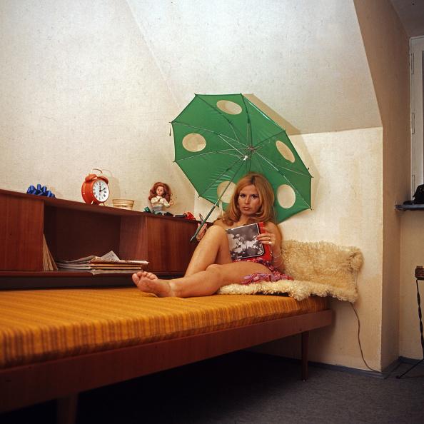 Sofa「Ina Schneider」:写真・画像(1)[壁紙.com]