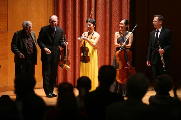 Classical Musician「Musicians Congratulate Carter」:写真・画像(12)[壁紙.com]