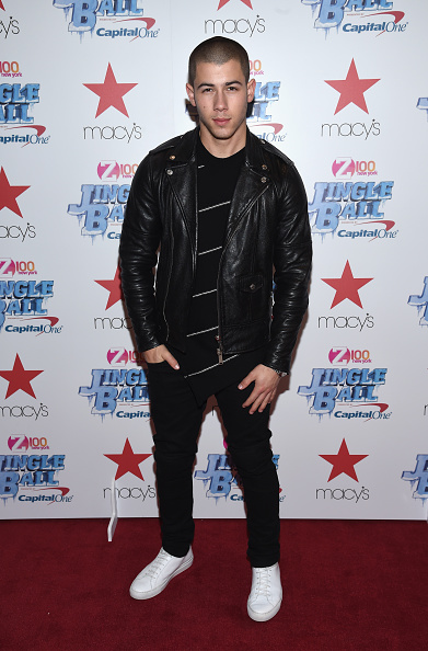 Hands In Pockets「Z100 Jingle Ball Presented By Capital One, Kick Off Event At Macy's Herald Square」:写真・画像(15)[壁紙.com]