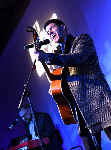 Larry Busacca「Musicians On Call Celebrates Its 15th Anniversary Honoring Kelly Clarkson And EVP Of Republic Records, Charlie Walk」:写真・画像(19)[壁紙.com]