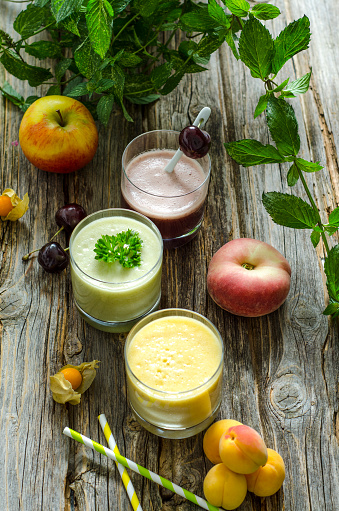 Peach「Cherry smoothie, apricot peach smoothie, parsley mint smoothie and fruits」:スマホ壁紙(5)