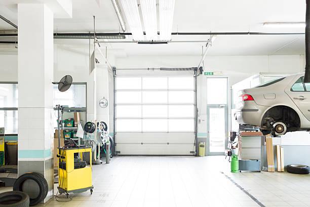 自動車修理工場、駐車場、:スマホ壁紙(壁紙.com)