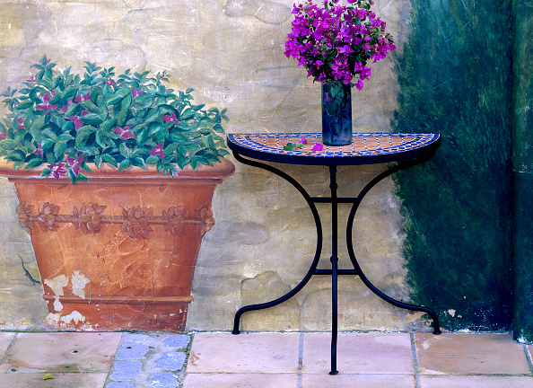 Bouquet「Detail of patio decorated with bouquete」:写真・画像(10)[壁紙.com]