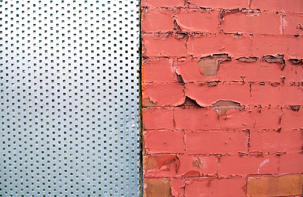 Brick Wall「Detail of paint peeling of a brick wall and a metal shutters fencing a window」:写真・画像(16)[壁紙.com]