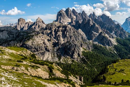 Alto Adige - Italy「View of Cadini di Misurina from the saddle, Lavaredo National Park, Dolomites, European Alps, Italy,」:スマホ壁紙(19)