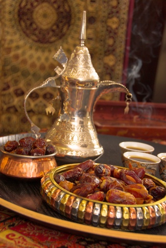 Pour Spout「Saudi Dates and Tea」:スマホ壁紙(15)