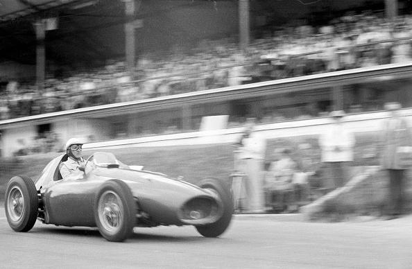 Blurred Motion「Farina's Ferrari」:写真・画像(7)[壁紙.com]
