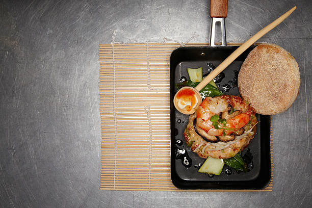 Asian style prawn burger with mushrooms and soy sprouts:スマホ壁紙(壁紙.com)