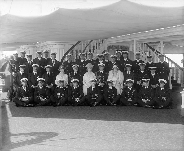 Sailor「King George V And Queen Mary On Board Hmy Victoria And Albert」:写真・画像(4)[壁紙.com]