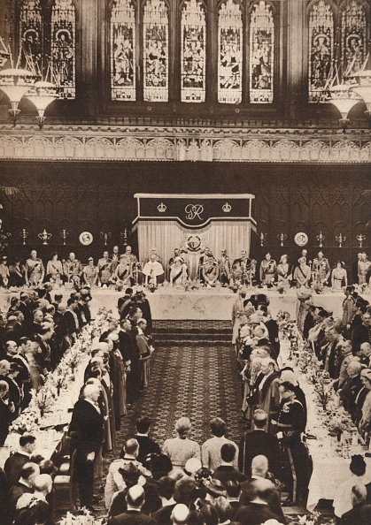 Glass - Material「'King George VI and Queen Elizabeth attending a luncheon to celebrate coronation', 1937」:写真・画像(15)[壁紙.com]