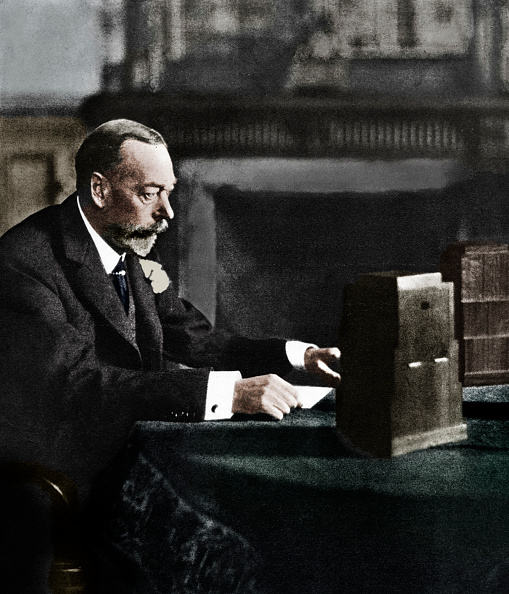 Speech「King George V Broadcasting To The Empire On Christmas Day, Sandringham, 1935」:写真・画像(16)[壁紙.com]