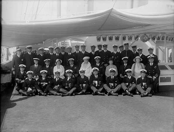 Mother Board「King George V And Queen Mary On Board Hmy Victoria And Albert」:写真・画像(3)[壁紙.com]