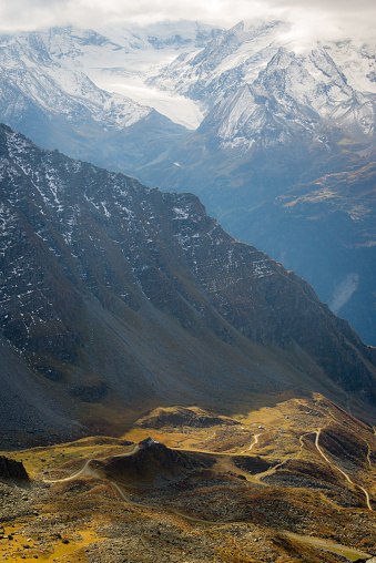 Ski Resort「Switzerland valley hiking views」:スマホ壁紙(11)