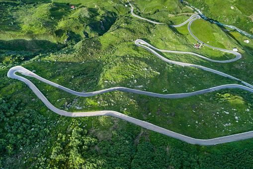 Hairpin Curve「Switzerland, Canton of Uri, Urseren Valley, Furka pass」:スマホ壁紙(1)