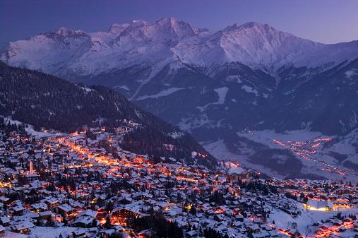 European Alps「Switzerland, Wallis, Verbier, view of town, evening」:スマホ壁紙(15)