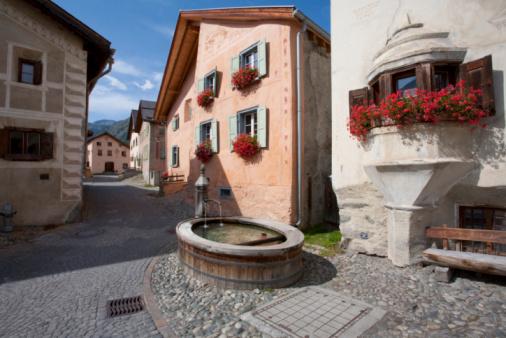 Engadin Valley「Switzerland, Grisons, Engadin, Village of Guarda」:スマホ壁紙(0)