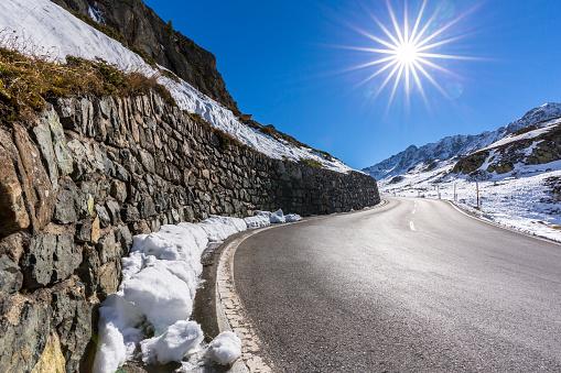 Engadin Valley「Switzerland, Grisons, Engadin, Flueela Pass in autumn」:スマホ壁紙(5)