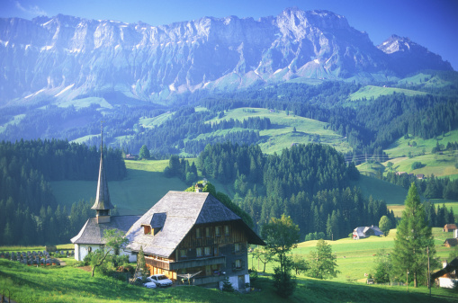 Chalet「Switzerland, Emmental, church & house with mountains in background」:スマホ壁紙(3)