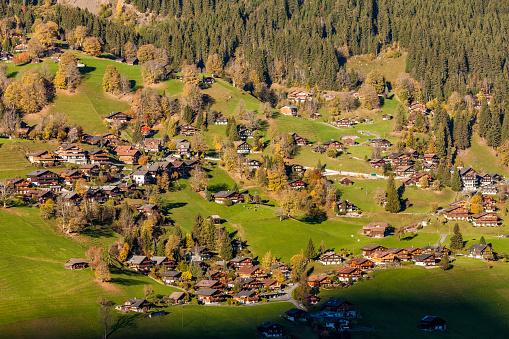 Chalet「Switzerland, Bern, Bernese Oberland, holiday resort Grindelwald」:スマホ壁紙(13)