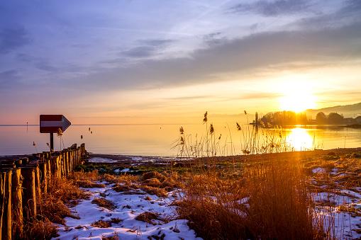 Thurgau「Switzerland, Thurgau, Lake Constance, Romanshorn in winter at sunset」:スマホ壁紙(14)