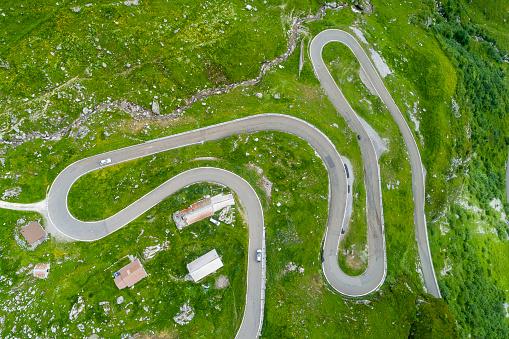 Hairpin Curve「Switzerland, Canton of Glarus, Glarus Alps, Linthal, Klausen Pass」:スマホ壁紙(2)